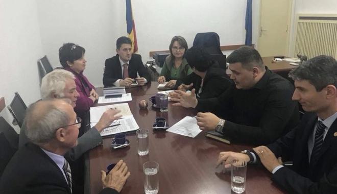 Foto: Deputatul George Vişan, discuţii cu cei de la Liga Navală Română în privinţa pensiilor din domeniu