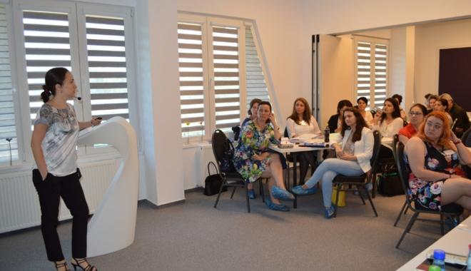 Foto: Psihologi clinicieni  din toată ţara, instruiţi  la Constanţa