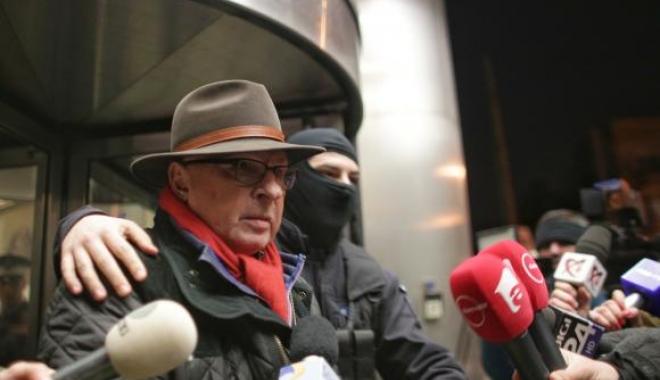 Foto: Medicul Lucan, prima reacție după ce DIICOT a descoperit AGENDA SECRETĂ în care avea trecute sumele date politicienilor, procurorilor și șefilor din SRI