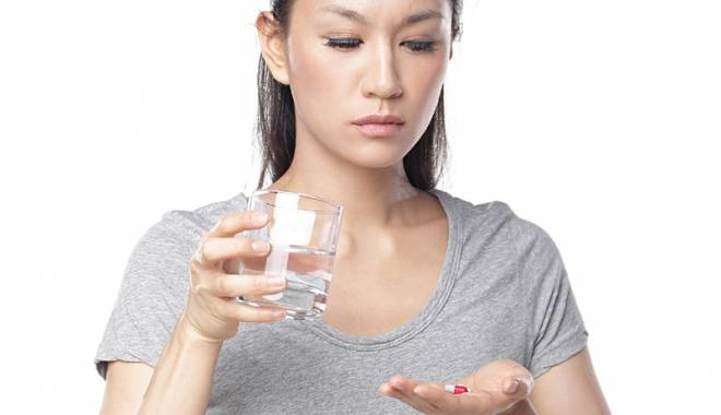 """Foto: """"Publicitatea  la medicamente susţine automedicaţia"""""""
