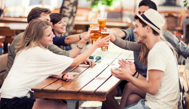 Foto: Puneţi dop la sticlă! Alcoolul vă poate afecta foarte grav sănătatea