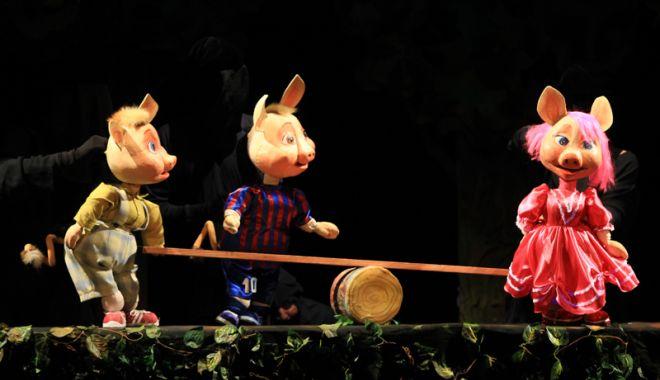 Foto: Nana, Nunu şi Nini  vă aşteaptă la teatru