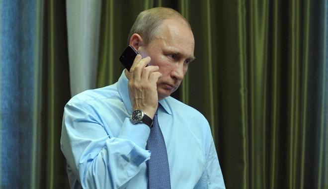 Foto: Putin și Macron au avut prima discuție telefonică, angajându-se să dezvolte relațiile amicale ruso-franceze