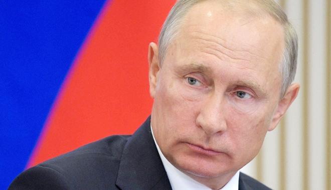 """Foto: Putin, de acord cu misiunea """"căştilor albastre"""" în zona de conflict din Ucraina"""