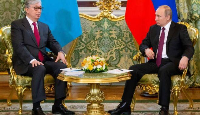 Foto: Putin şi Tokaev promit să întărească prietenia ruso-kazahă