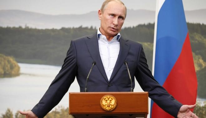 Foto: Putin, vizită  în Crimeea. Ucraina acuză