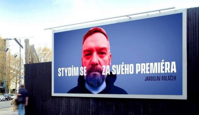 """Foto: Campanie inedită: """"Mi-e ruşine cu premierul meu"""""""