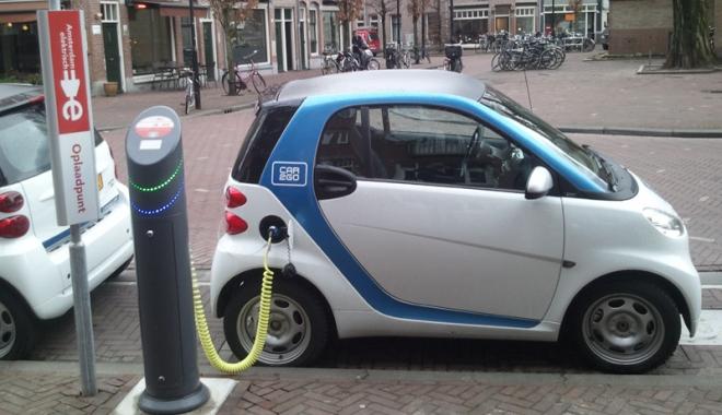 Foto: Începe programul Rabla! 6.000 de euro de la stat ca să-ţi cumperi maşină electrică!