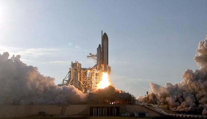 Foto: Lansarea �n spa�iu a primei rachete rom�ne�ti