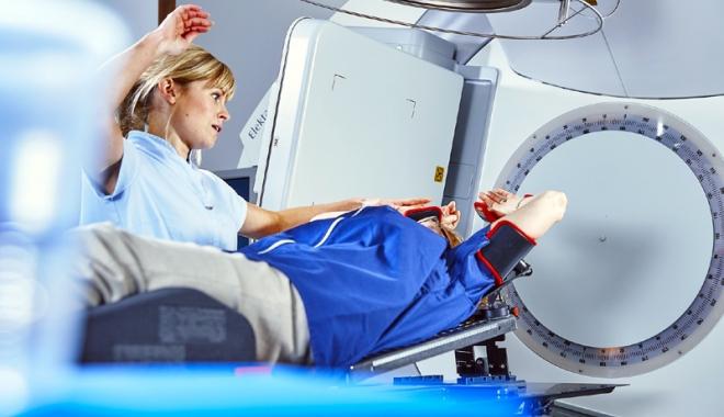 Foto: Se redeschide Centrul de Radioterapie! O şansă la viaţă pentru bolnavii de cancer din Constanţa