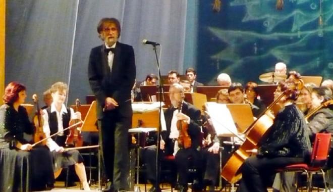 """Foto: Concert de Crăciun, la Teatrul """"Oleg Danovski"""""""