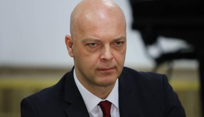 Foto: Răducu Popescu avea dreptul să-şi examineze colegii!