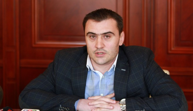 Foto: Prefectul Radu Volcinschi a primit vizita unor profesori