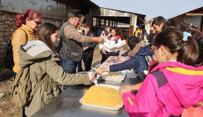 RAEDPP a trimis în excursie 42 de elevi de la Școala