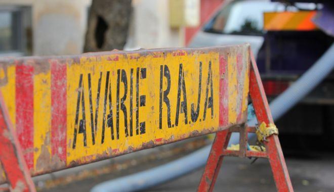 Foto: AVARIE RAJA. Mai multe străzi din Cernavodă au rămas fără apă rece
