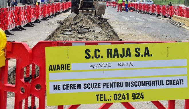 Foto: Atenție, șoferi! Trafic restricționat pe bulevardul Tomis. Se lucrează la conductele de apă