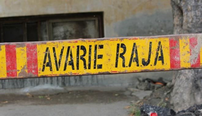 Foto: Avarie RAJA. Zona Soveja din Constanţa, fără apă rece până după-amiază