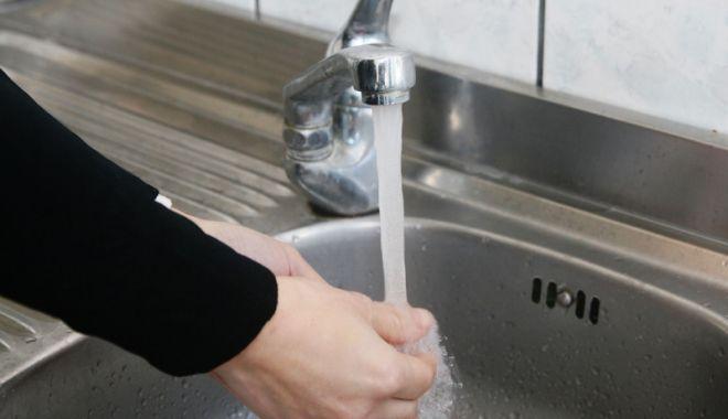 Foto: Centrul Constanței, fără apă rece