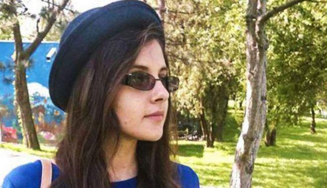 Foto: Ea este tânără ucisă de iubitul libian! Raluca va fi înmormântată azi
