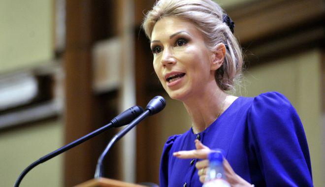 Liberala Raluca Turcan cere ca profesorii să fie plătiți de autoritățile locale - ralucaturcan-1518959545.jpg