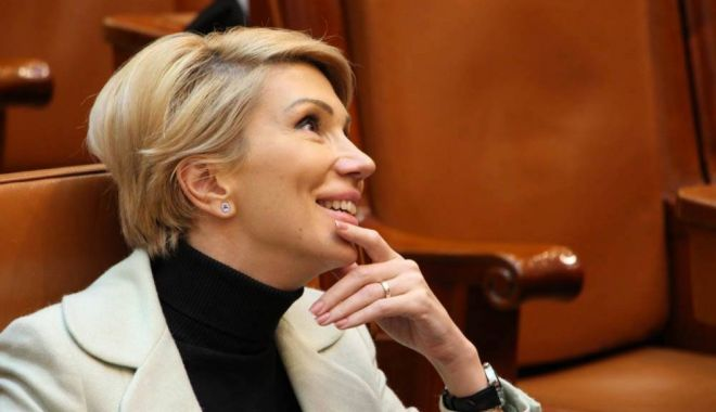 Foto: Raluca Turcan: Viorica Dăncilă trebuie să îşi dea demisia imediat