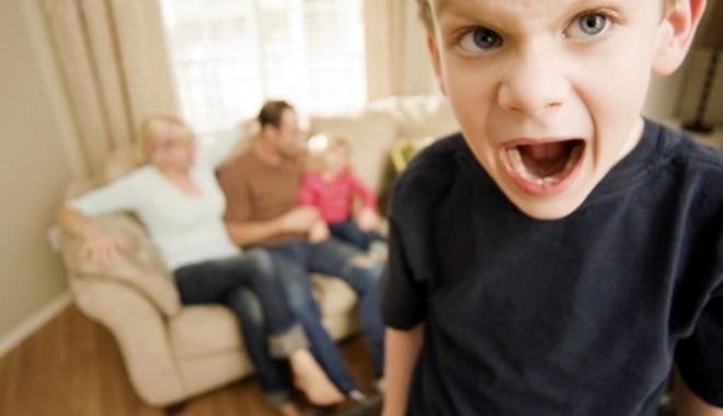 Foto: Agresivitatea la copii, între muşcături şi fuga de acasă