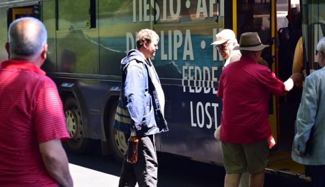 Foto: Când îşi vor primi abonamentele gratuite pensionarii