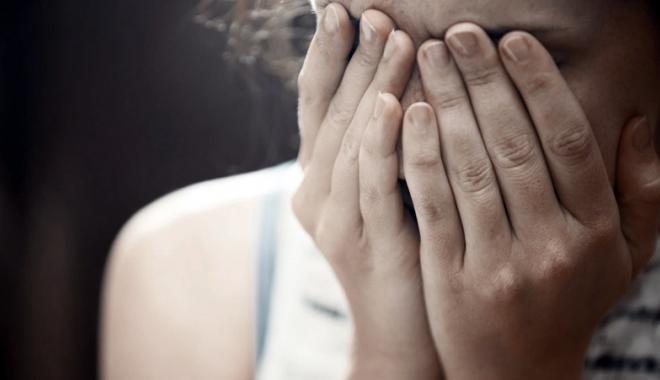 Foto: Răzbunare cruntă a unei copile de 15 ani, din Constanţa. Şi-a dat tatăl pe mâna poliţiei
