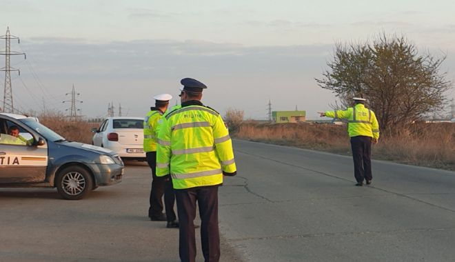 """Foto: Razie de amploare, la Constanţa. 17 şoferi au """"scăpat"""" de permis"""