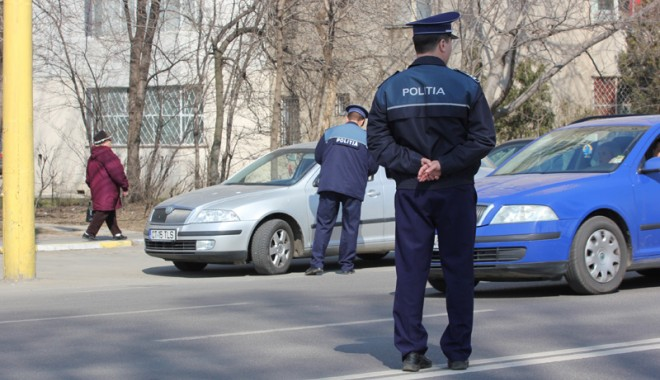 Cum poate fi recuperat talonul reţinut de Poliţie - razieamploareconstantapolitisti8-1332354696.jpg
