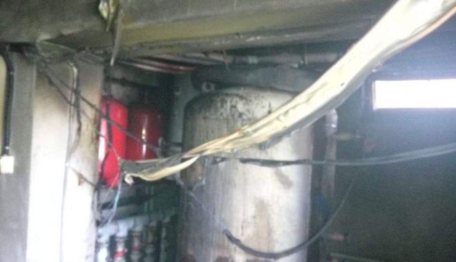 Foto: GALERIE FOTO. Incendiu la un hotel din Venus. Turiştii au fost evacuaţi