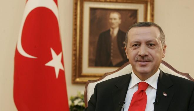 Foto: YouTube şi Facebook ar putea fi interzise îîn Turcia