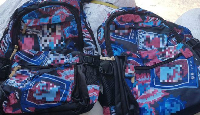 Foto: Rechizite școlare susceptibile a fi contrafăcute, confiscate în Portul Constanţa Sud Agigea