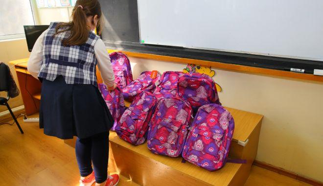 """Rechizite gratuite pentru elevii Şcolii """"Dimitrie Ştiubei"""" din Constanţa - rechizite-1614769119.jpg"""