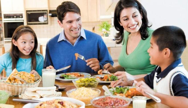 Foto: Recomandările specialiştilor pentru Paşti: prudenţă în alimentaţie!