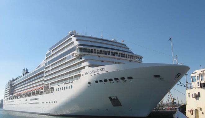 Foto: Record de turişti şi nave de pasageri în portul Constanţa