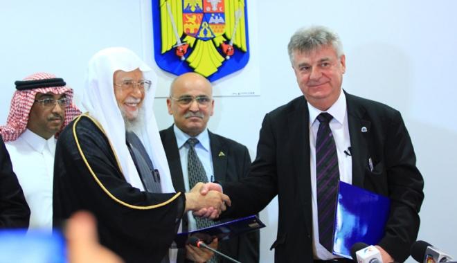 Foto: Rectorul Sorin Rugină a parafat colaborarea cu lumea universitară arabă
