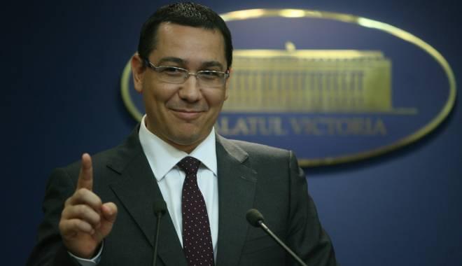 """Foto: Ponta: """"Până la 1 septembrie o să avem reducerea TVA"""""""