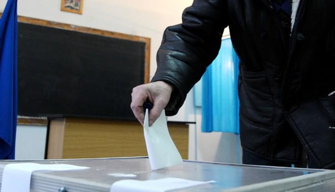 Referendumul pentru Constituție  ar putea fi organizat în același timp  cu turul I al prezidențialelor - referendumjpeg-1372681672.jpg