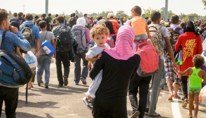 Foto: Taberele din Grecia şi Turcia sunt arhipline de refugiați