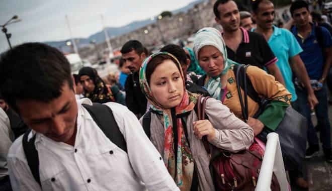 Foto: Criza imigranţilor. Sirieni plasaţi în căminele şcolare constănţene?