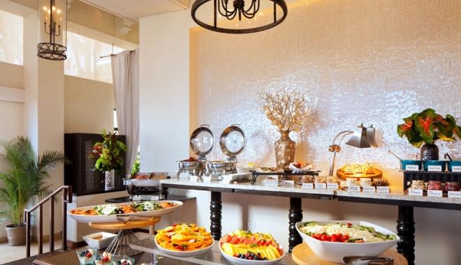 Ce se mânca la mesele regale. Sarmalele în foi de viţă, mămăliga şi prăjiturile Caraiman, servite încă din secolul al XIX-lea - regal3-1477667072.jpg