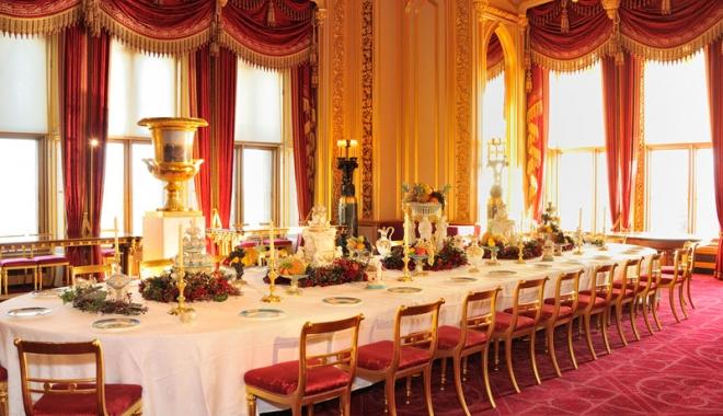 Ce se mânca la mesele regale. Sarmalele în foi de viţă, mămăliga şi prăjiturile Caraiman, servite încă din secolul al XIX-lea - regale-1477667104.jpg