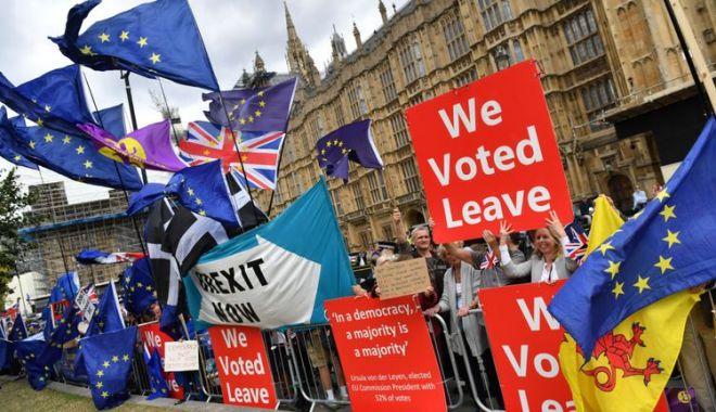 Foto: Regatul Unit: Brexit sau un nou referendum? Răspunsul va fi dat joi