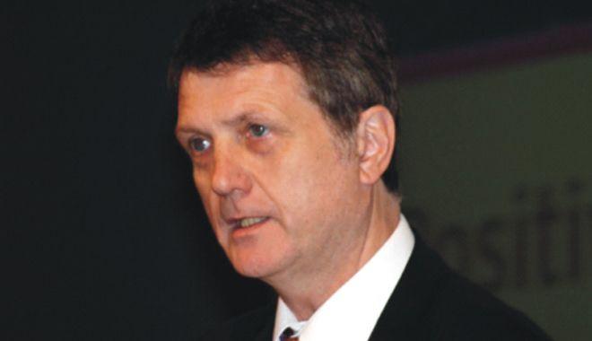 Regatul Unit: Europarlamentarul Gerard Batten, președinte al OKIP - regatulunit-1523793805.jpg