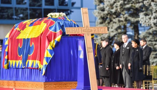 Ce scrie presa internațională despre funeraliile Regelui Mihai - rege-1513439569.jpg