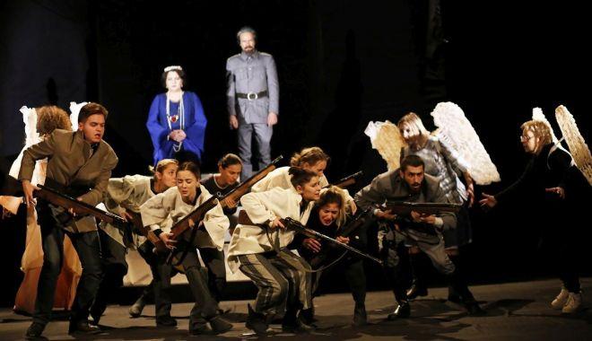 """Spectacolul """"Inima Reginei Maria"""" poate fi vizionat, gratuit, astăzi, la teatru - regina-1548324331.jpg"""