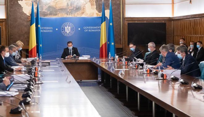 Foto: Guvernul a stabilit condițiile pentru redeschiderea restaurantelor