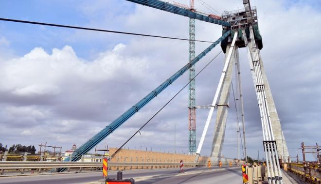 Foto: Reîncep lucrările pe podul Agigea: