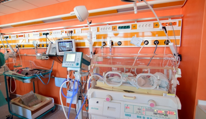 Foto: Renovarea secţiei de Terapie Intensivă Nou-Născuţi, o şansă la viaţă pentru bebeluşii prematuri